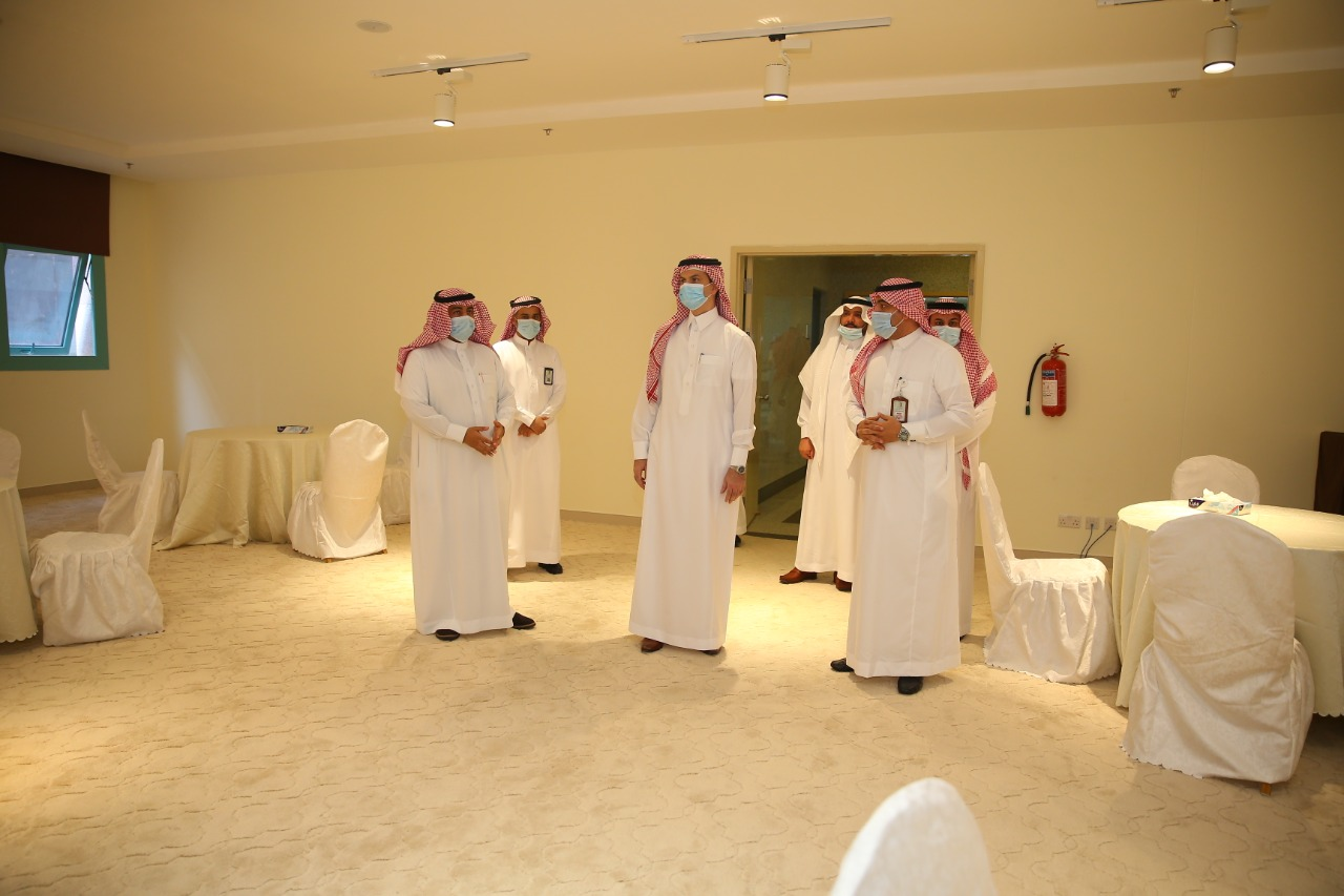 An inspection tour of the rector . Dr. Muhammad bin Abdullah Al-Shaya to the Common First Yea.
